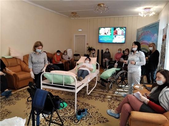 Школа ухода «Жить дома!» в ноябре откроется в Ленинском районе